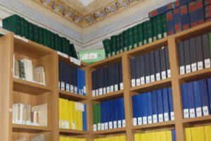"""giornali scolastici custoditi all'interno della Biblioteca Comunale """"Angelo Ferrazzani"""""""